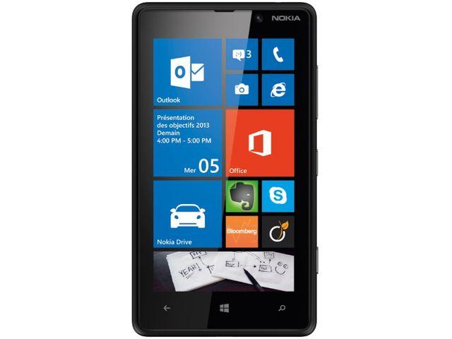 obsah balení Nokia Lumia 820 Black + SanDisk ultra rychlá paměťová karta 16GB