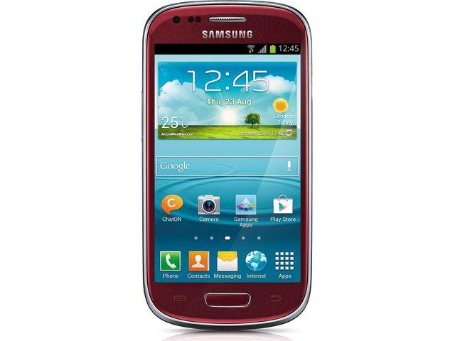 obsah balení Galaxy S III Mini NFC červený + držák s nabíjením Brodit